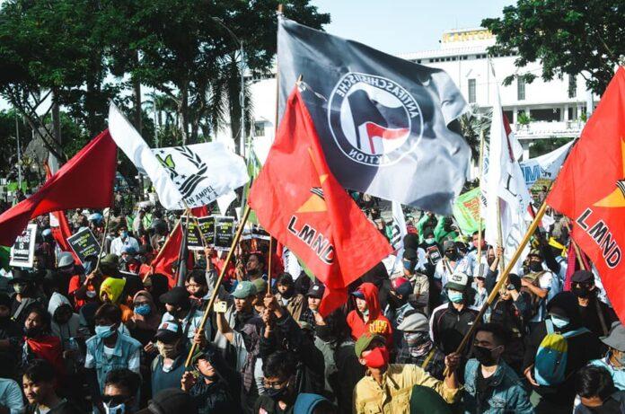 Demontrasi mahasiswa menolak UU Cipta Kerja